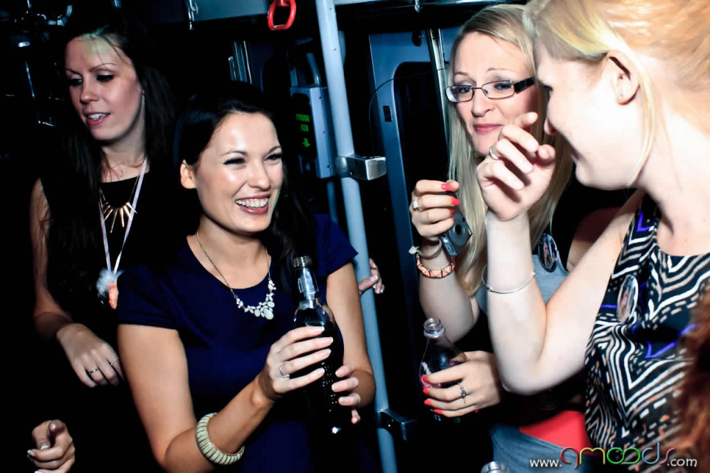 dzien-kobiet-tram-party